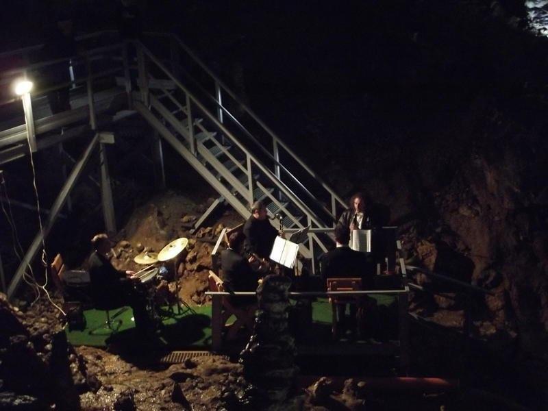 concert valea cetatii cave