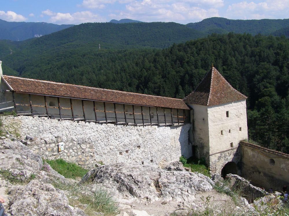 Rasnov Citadel walls